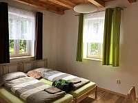 ložnice v 1.NP - chata k pronájmu Seč - Kraskov