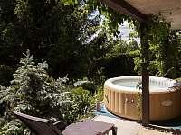 zahrada - chata ubytování Strakov