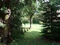 vstup do zahrady - chalupa k pronájmu Semín