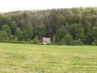 Chata k pronajmutí - okolí Machova