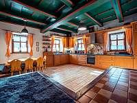 Kuchyň - chalupa k pronájmu Otovice u Broumova