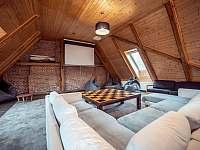 Společenská místnost - chalupa ubytování Otovice u Broumova