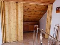 chodba podkroví - vestavěná skříň - Chlumec nad Cidlinou
