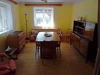 jídelna - pohled z obýváku - Chlumec nad Cidlinou
