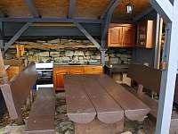Venkovní sezení - chata k pronájmu Dlouhá Třebová
