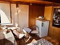 ložnice v přízemí 1/ dvoulůžko či lze rozdělit na 2x/jednolůžko - chata k pronájmu Křížanovice