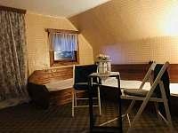 Podkroví pokoj 3x lůžko + - chata k pronajmutí Křížanovice