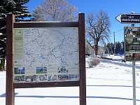 400 metrů od roubenky je začátek mnoha turistických tras - chalupa k pronájmu Odolov
