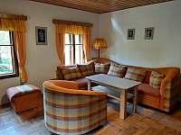 Obývací pokoj - chalupa k pronájmu Rybná nad Zdobnicí