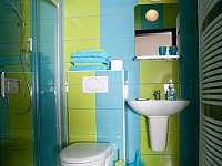 koupelna pokoje Londýn - Nové Město nad Metují