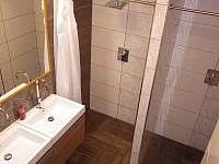 Sprchy - chalupa k pronájmu Chrudim