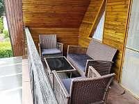 Sezení na balkoně - Nové Hrady