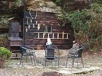 Zázemí pro grilování - chata k pronajmutí Nové Hrady