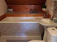 Koupelna patro - chalupa k pronájmu Ruprechtice