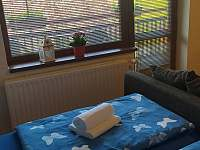 Pokoj č. 1 s manželskou postelí - pronájem apartmánu Bílé Poličany
