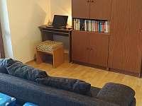 Pokoj č. 1 s manželskou postelí - apartmán k pronájmu Bílé Poličany