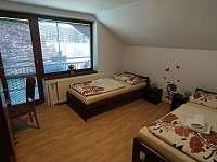 Pokoj č. 2 se samostatnými postelemi - apartmán k pronajmutí Bílé Poličany