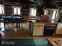 Společenská místnost s kuchyní - chalupa k pronajmutí Police nad Metují - Hlavňov