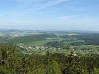 pohled z hory Bor (852 m.) směr Machov -