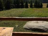 venkovní terasa - výhled přímo na horu Bor - 852 m. - srub k pronájmu Machovská Lhota