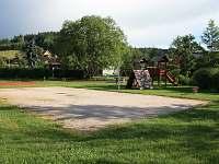 Zábavné hřiště - chata k pronajmutí Batňovice