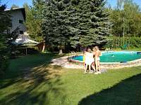 Bazén u Čtyřlístku - chata k pronajmutí Hořeleč
