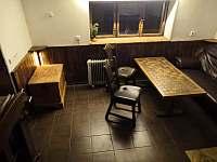 společenská místnost - chata k pronajmutí Rybník