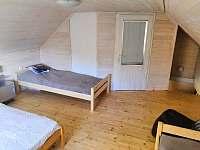 větší ložnice 4 lůžka - chata k pronájmu Rybník