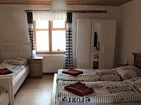 Hroubovice ubytování 12 lidí  ubytování