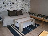 obývací pokoj 6 lůž.