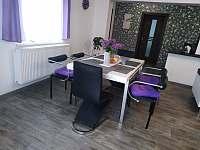 Jídelní stůl - apartmán ubytování Tisovec