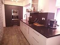Kuchyňská linka - apartmán k pronajmutí Tisovec