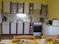 Kuchyňská linka - plně vybavená