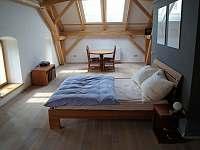 Master bedroom - chalupa k pronájmu Lozice