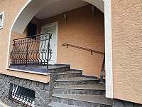 hlavní vchod - ubytování Chornice