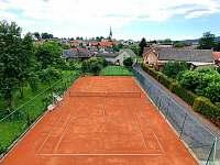 tenisový kurt - Chornice