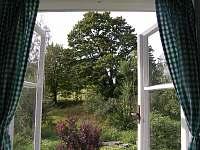 výhled z pokoje s kachlovými kamny - Záhory
