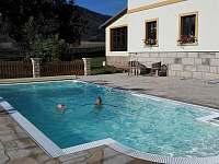 Bazén na místě - chalupa k pronájmu Božanov