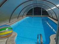 Bazén vyhřívaný solárními panely