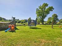 Dětské hřiště - chalupa ubytování Hodkovice