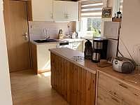 Kuchyně - chata k pronajmutí Janovičky