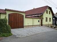 Chalupa k pronájmu - okolí Budislavi