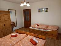 vysunovací postel v ložnici - Zderaz