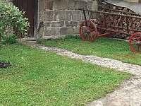 Dvorek Roubenka U Oveček - chalupa ubytování Hvězda u Kuksu