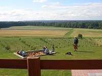 Výhled z terasy na pískoviště