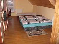 ložnice v 1patře s přistýlkou