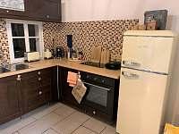 Plně vybavení kuchyň v přízemí - Česká Metuje