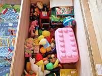 hračky k dispozici - Božanov