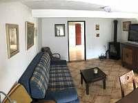 obývací pokoj - chalupa k pronájmu Vítějeves