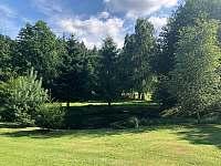 Okrasný rybníček v zadní části zahrady - Vyžice - Slavkovice